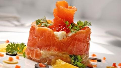 Лососевый салат с апельсином