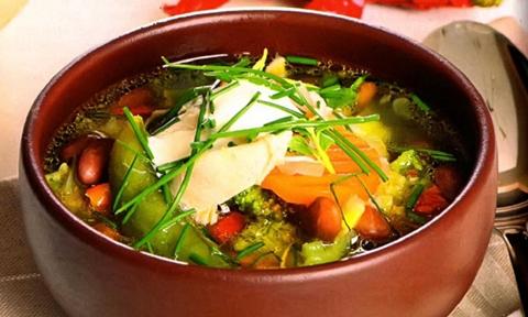 Суп с фасолью и зеленью