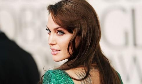 Эволюция стиля и внешности Анджелины Джоли