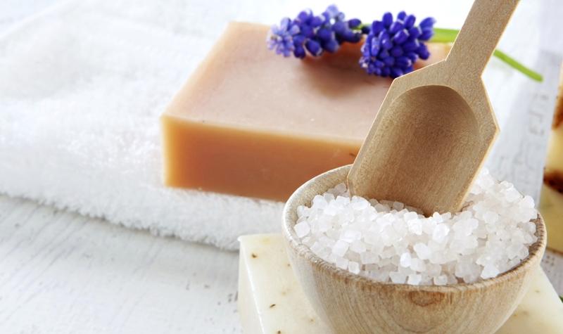 Морская соль для ванны- польза, вред, как принимать
