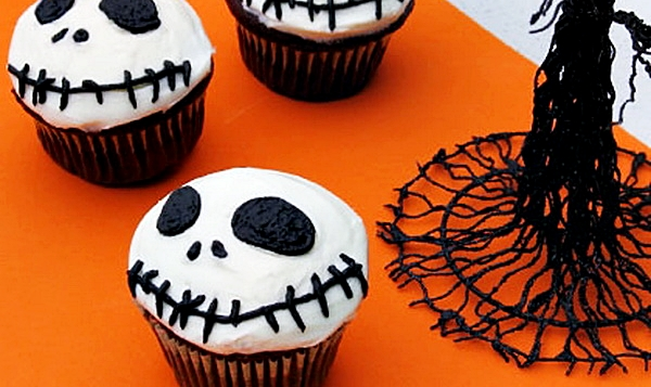 "Шоколадные кексы на Хэллоуин ""Джек Скеллингтон"""